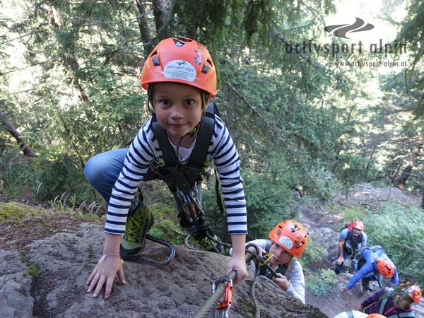 Klettersteig Für Anfänger : ᐅ salewa klettersteig adrenalinkitzel hart am abgrund